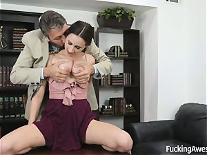 busty Ashley Adams Gets banged by the lecturer