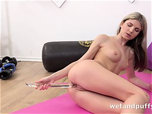 wet appetizing snatch with yoga honey Gina Gerson