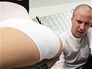 Kagney Linn Karter beautiful gym penetrating