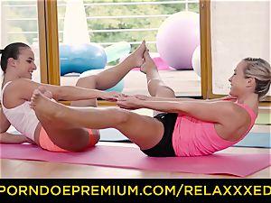 RELAXXXED g/g Amirah Adara penetrated on yoga class