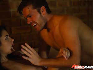 Lexi Lowe gives molten blow-job to police detective