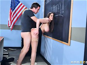 Brooklyn chase boinks her schoolgirl Jessy Jones
