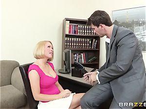 Krissy Lynn pulverized by her kinky shrink