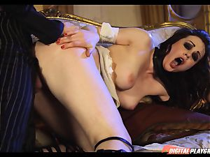 Tina kay has phat fountain on her beautiful super-cute face from frankenstein