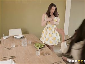 honeypot playtime with Chanel Preston