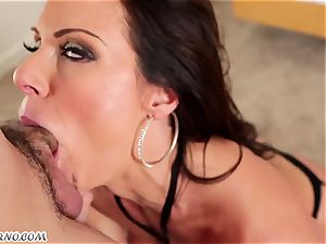50-year-old porno starlet Kendra enthusiasm with immense mammories prefers to blow