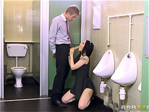 Bosses daughter-in-law Alessa Savage takes a yam-sized manmeat in the mens toilets