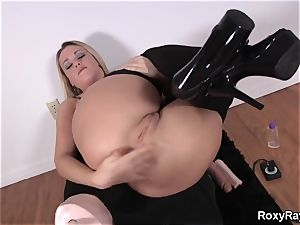 Roxy Raye - ass fucking Assembly for analed and deep fisting
