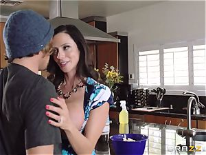 Mean mummy Ariella Ferrera seduces her daughters guy