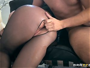 trunk thirsty platinum-blonde Brooklyn chase