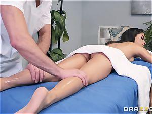 sensuous massage turns into a sensual screw