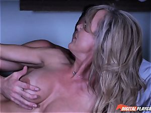 cougar Brandi enjoy secretly deep-throating man sausage