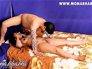 Mona Bhabhi Getting Seduced By Her hubby Indian fashion