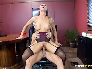 sizzling boss Nicole Aniston taking a enormous boner in the office