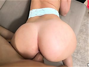 cheating black-haired Daisy Stone plumbed in her vulva