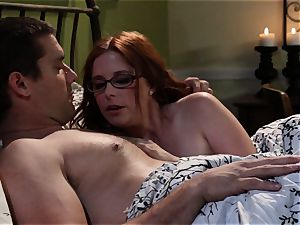 timid waitress Penny Pax bangs her desire customer