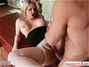 chesty blondie Sarah Vandella pummeling