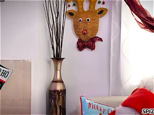 Spizoo - see Jessica Jaymes plumbing Santa Claus