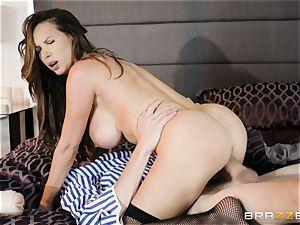 crazy Nikki Benz blows suspended Danny D in sofa