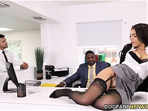 black Immigration Officer Wants Valentina Nappi's culo